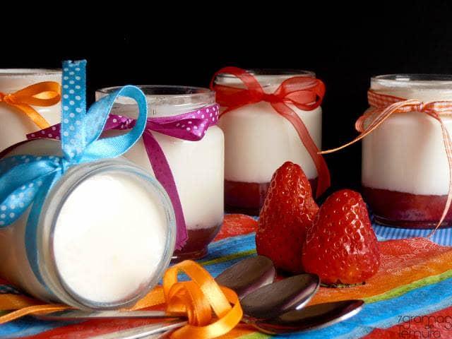 Iogurtes com Pedaços de Morango