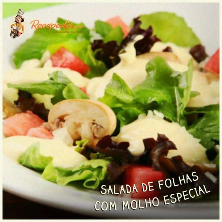 Salada de folhas com Molho Especial