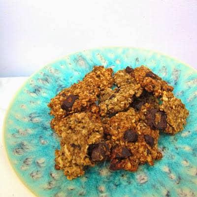 Bolachas de grão, amêndoa e chocolate