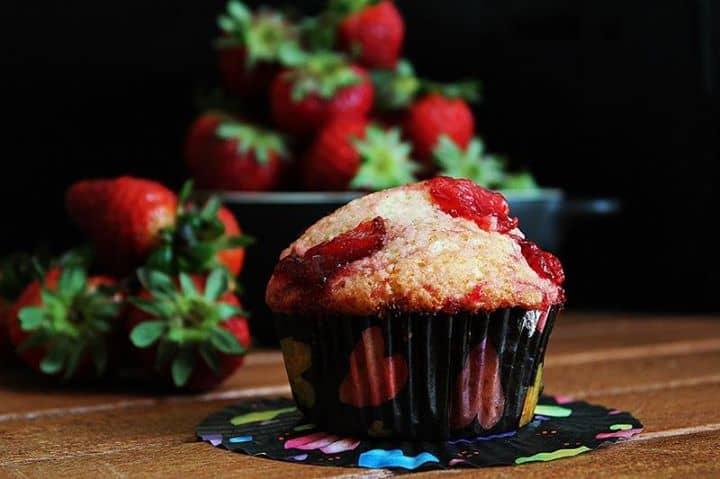 Muffins com Calda de Morangos