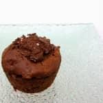 Queques de chocolate e abacate com flor de sal