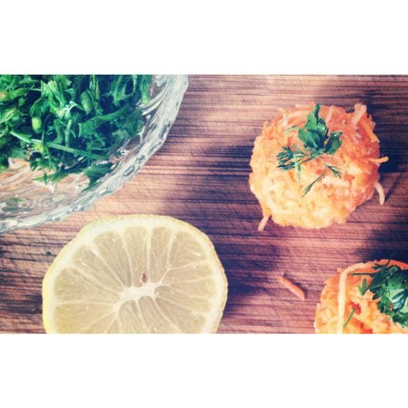 Bolinhas de Cenoura e Maçã com Sésamo