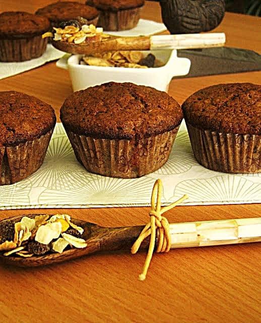 Muffins de Trigo Integral e Muesli\