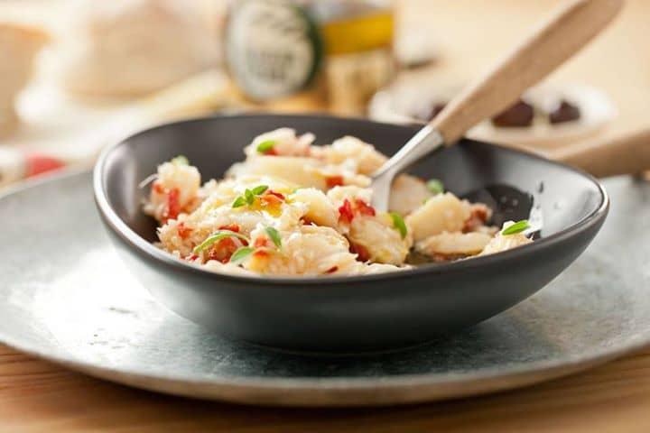 Salada de bacalhau com pimentos assados