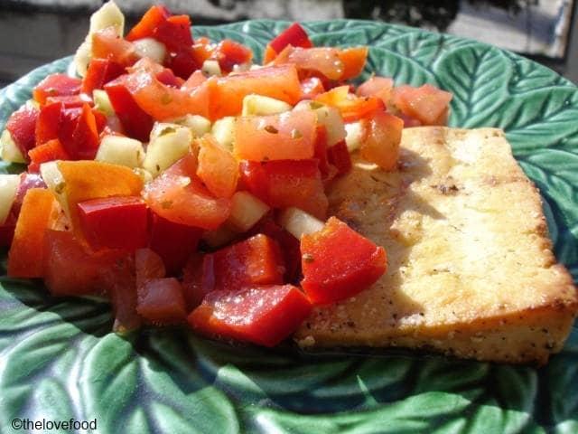 Tofu al limone com salada montanheira