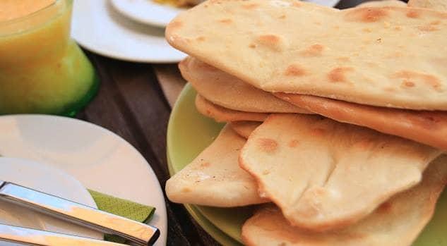 Pão Naan com Alho