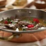 Experimente: Pica-pau com pickles de cerejas