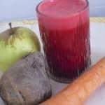 Sumo de maçã, cenoura e beterraba