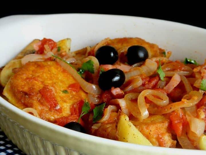 Saudável e saboroso, o peixe faz parte da ementa (cardápio) diário dos portugueses... Salmão à Minhota!