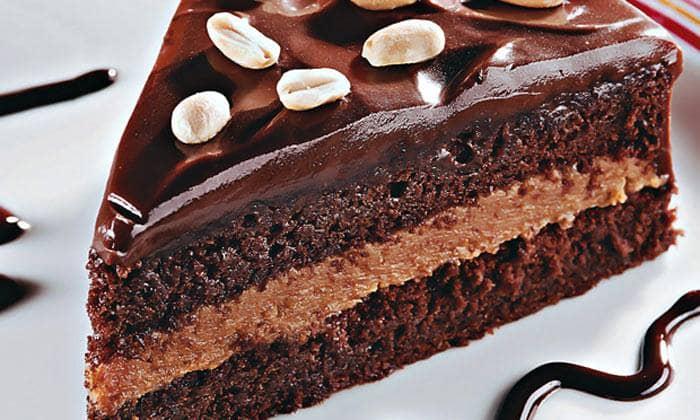 Bolo de amendoim e chocolate