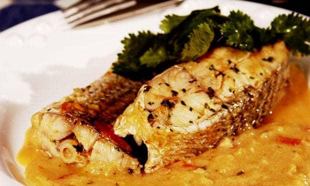 Peixe ensopado com pirão