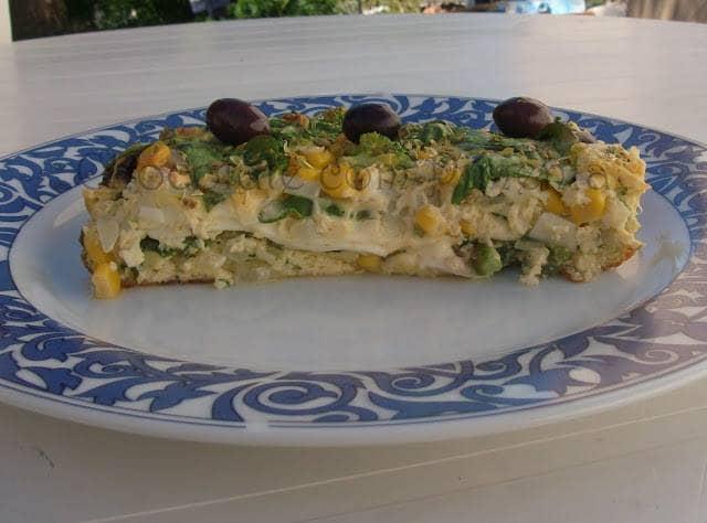 Frittata de Legumes Verdes, Azeitonas e Queijo Parmesão