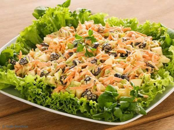 Salada de Vegetais com Uvas Passas