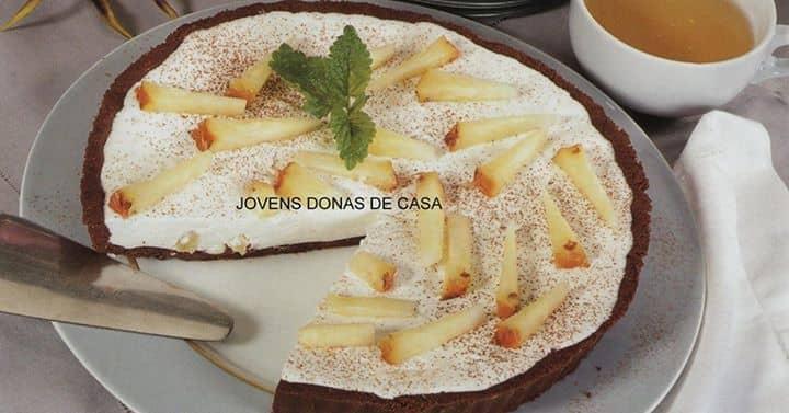 TARTE DE IOGURTE ( decorada com ananás)