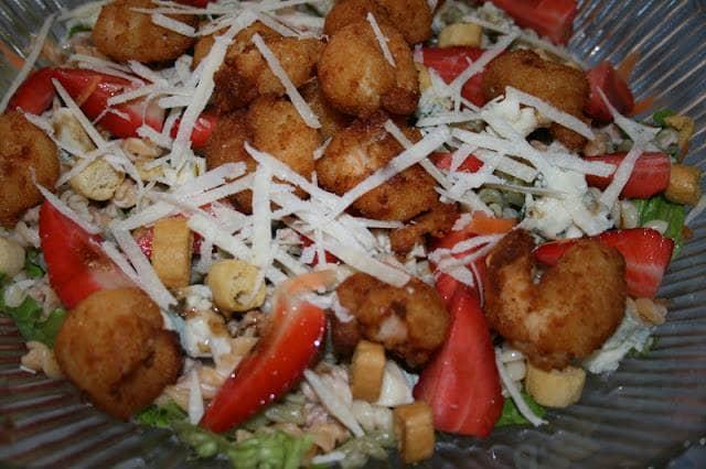 Salada de Camarão panado
