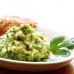 Salada com pepino e abacate