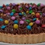 Torta de brigadeiro colorida