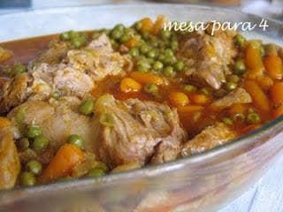 Carne Estufada com Ervilhas e Cenouras