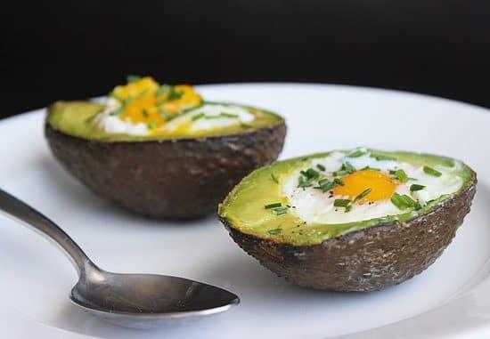Pequeno-almoço de abacate