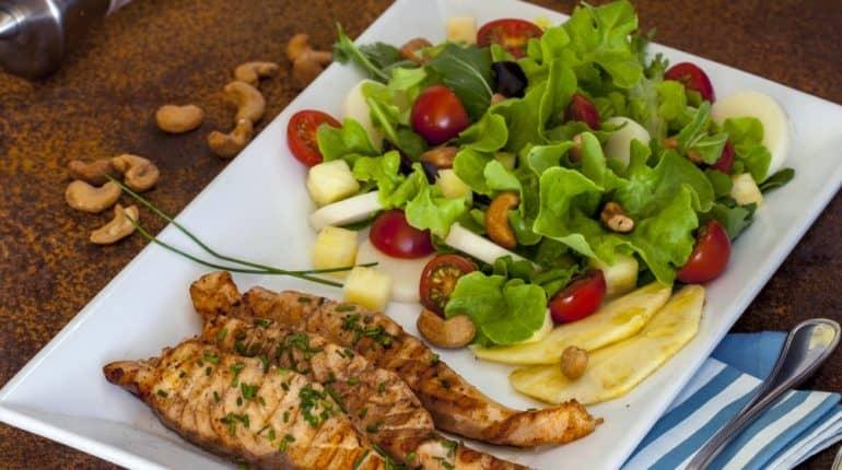 Salada Fresca de Salmão