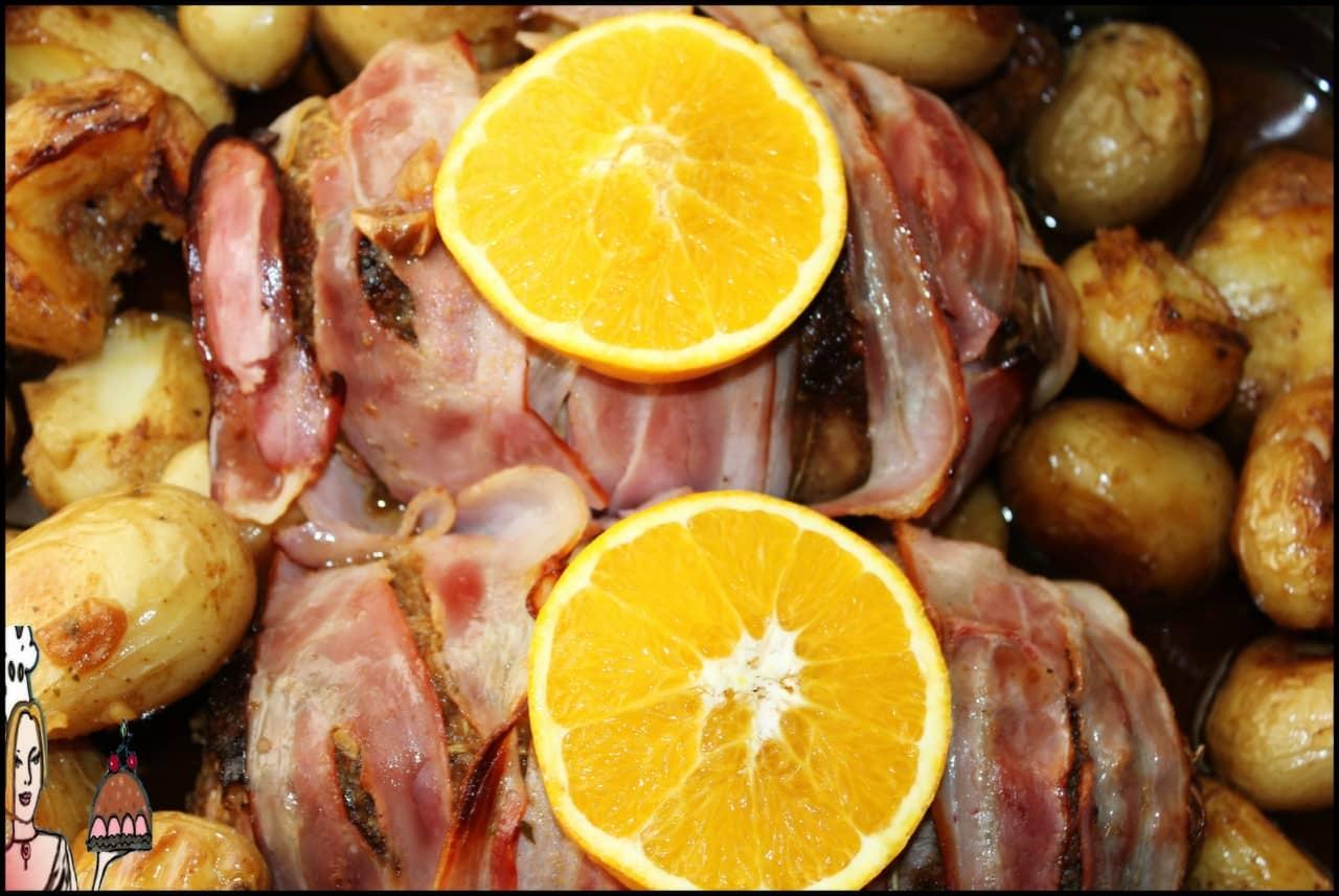 mini rolos de carne recheados com queijo e bacon